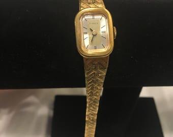 Vintage Ladies Gold Tone Wind Up Timex Watch - Runs great