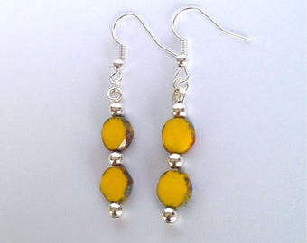 ☆ Yellow faceted glass beads dangling earrings ☆
