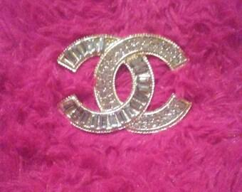 Gold alloy brooch size flatback
