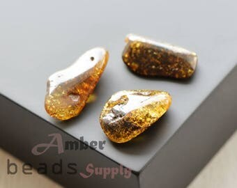Amber loose stones, Baltic amber beads, Amber stones, 3 pieces, green amber color. Polished amber. 0446/6