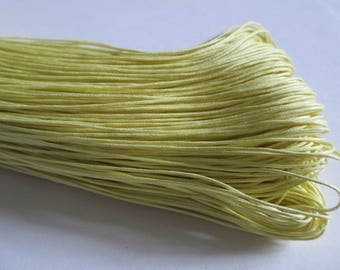 5 meters of light yellow waxed cotton thread 1 mm