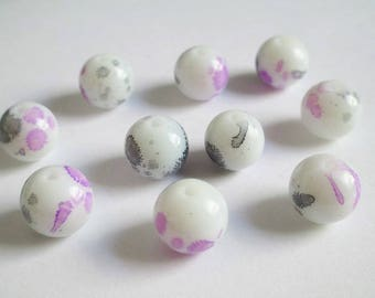 10 speckled grey and Purple 12mm white glass beads