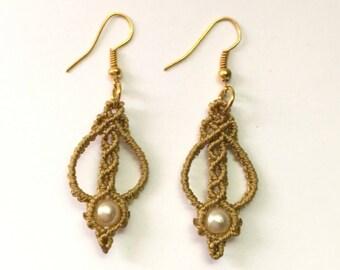Small dangling earrings macramé tone on tone