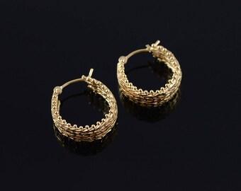 14k Mesh Chain Link Dot Trim Hoop Earrings Gold