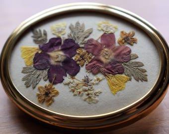 Vintage real flower floral pin/brooch, 1970s