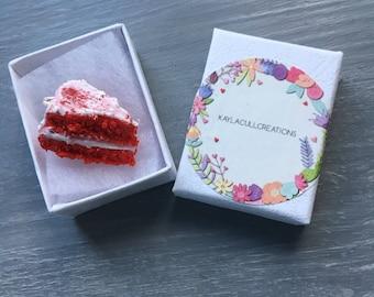 Red velvet cake necklace