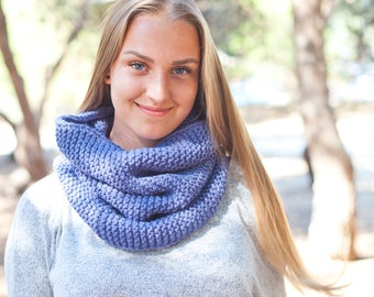 Pure Wool Hand Knitted Snood / Chunky Knitted Cowl / Blue Scarf / Super Chunky Knit Wool Snood, Handmade Scarf (c-0001)