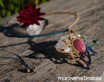 Rhodochrosite & Garnets Wind Rose Macrame Necklace. Leo Zodiac Necklace. Leo Gift Jewelry. Gemstone Capricorn Necklace by Macrame Tralala