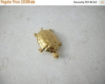 ON SALE Vintage MONET Gold Tone Turtle Pin 71417
