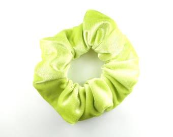 Scrunchie - green apple velvet