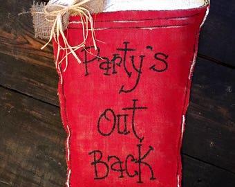 Red solo cup door hanger/burlap door hanger/solo cup decor/party door hanger/party decor/red solo cup decor/party time decor