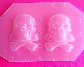 SUMMER SALE 2pc Skeleton Skull and Crossbones Flexible Plastic Mold For Resin Crafts