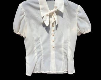 1980 blouses Vintage blouse//secretary blouses//white blouses//mutton sleeve blouse//jabot collar