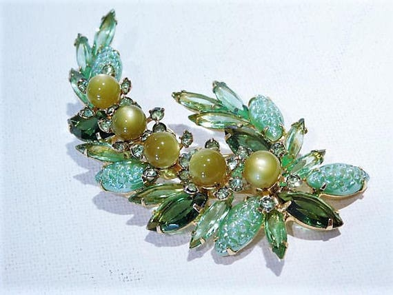 Juliana Brooch / BOOK PIECE / Verified DeLizza Elster Rhinestone Brooch / Mid Century / Designer / Fashion / Jewelry