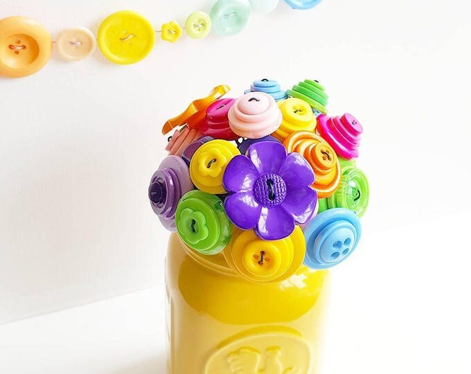 Classic rainbow bouquet