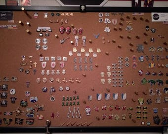 All hat pins/Lapel pins/Harley Quinn/Deadpool/The Hulk/Punisher/Spiderman/Wolverine/Super Mario/Iron Man/Batman/CAT/Cross/NFL/Military