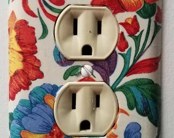outlet cover, decorative outlet cover, shabby chic outlet cover, floral outlet cover, two socket outlet cover