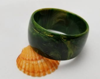 Green And Yellow Swirl Bakelite Bangle