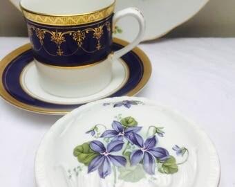 Lovely Vintage Royal Grafton 'Violets' Trinket Box