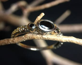 Vintage Sterling Silver/ Onyx Ring   #298