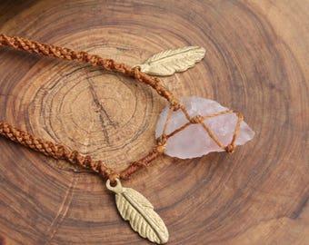 Pink macrame arrow necklace with quartz