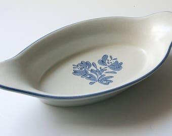 Vintage Beige Blue Stoneware Augratin #265 in Yorktowne (USA) by Pfaltzgraff
