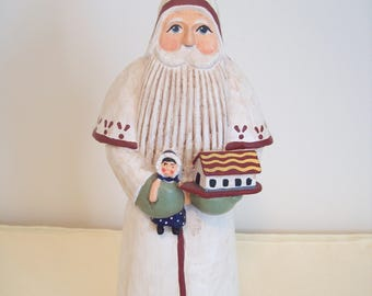 Randy Tate Santa Holding Doll and House 10-Inch Resin Figurine Vintage 1997