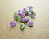 Lot de 20 perles fleurs 7x5mm Chalk W. Funky Orchid - VPFL75-0563
