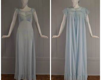 Vintage Womens 1950s Pale Blue Rogers Run-Proof Matching Full Length Robe & Gown Peignoir Set | Size S/M