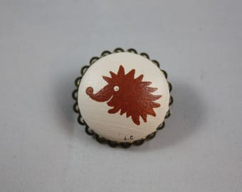 Brooch 'Laurette' hedgehog beige and Brown
