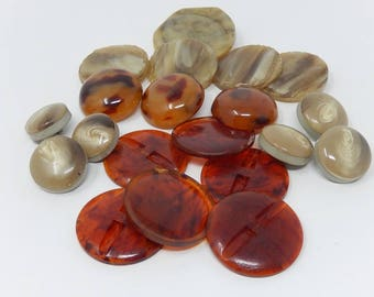 Lot N7 -20 old buttons Bakelite haute couture, large diameter