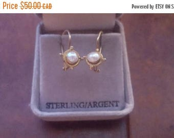 ON SALE Vintage Sterling Silver and Pearl Earrings