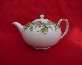 Vintage Wedgwood Bone China Tea Pot - Tamarisk Design – R4547