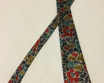 Vintage 1990s Van Heusen Silk Flowered Necktie