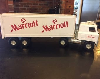 Vintage Ertl toy truck metal semi trailer Marriott Hotels delivery International Harvester cab