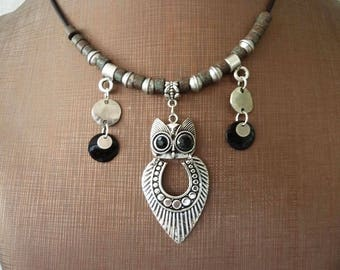 Necklace with pendant owl