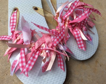 Girls white flip flops with pink ribbon - size 12-13