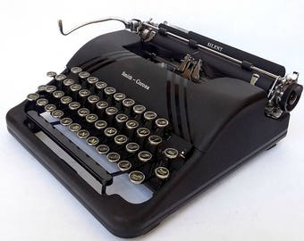 Smith Smith Corona Silent Floating Shift Speedline Series Portable Manual Typewriter