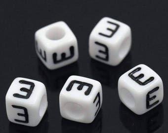 Lot 100 letters E 7x7mm alphabet beads