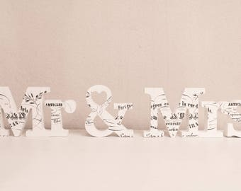 Mr. & Mrs. wood letters (white, printed, 8, 5 cm)