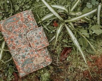 Patterned vegan wallet made of cork