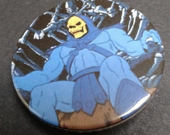 Skeletor badge or fridge magnet -- 38 mm -- He-man -- 80s -- Retro -- Cartoon -- Tv -- Pin -- Pin back button