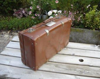 Valise en fibre. Nice suitcase. Vintage box. France