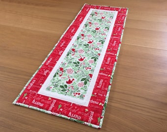 Holiday Table Runner, Christmas Table Runner, Quilted Table Topper, Festive Table Runner, Christmas Table Centrepiece, Quilted Table Mat