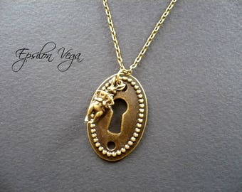 Alice in Wonderland necklace - White rabbit and a lock