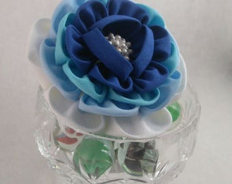 Blue Large Peony Brooch / Tsumami Kanzashi / Geisha Inspired / Prom Accessory / Wedding Guest Brooch / Gradation Colour