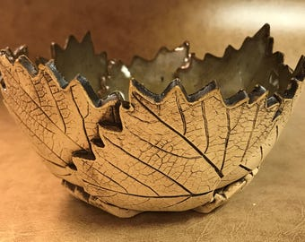 Medium Grape Leaf Bowl 68