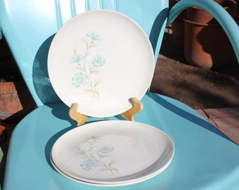 """1962 Vintage Taylor Smith and Taylor Aqua Blue Bachelor Button """"Boutonniere"""" - Set of Three ( 3 ) Dinner Plates 10 1/4 - Excellent Condition"""