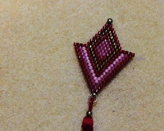 Necklace like in red tones