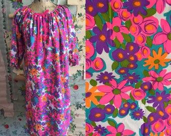 1960s Psychedelic Floral Beeline Night Gown. Medium. Sleep gown, nightie, pink, purple, blue, orange.
